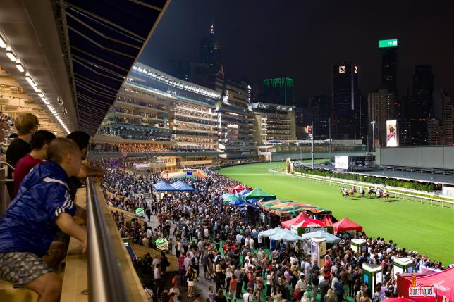 Hong Kong, entre tradition, business et mécénat