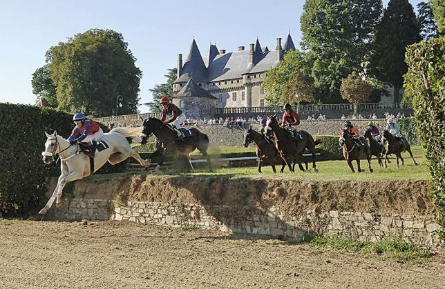 Pompadour Citadelle en Limousin